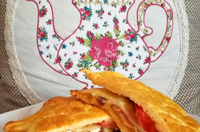 Quick & Easy Cloud Bread Club Sandwich