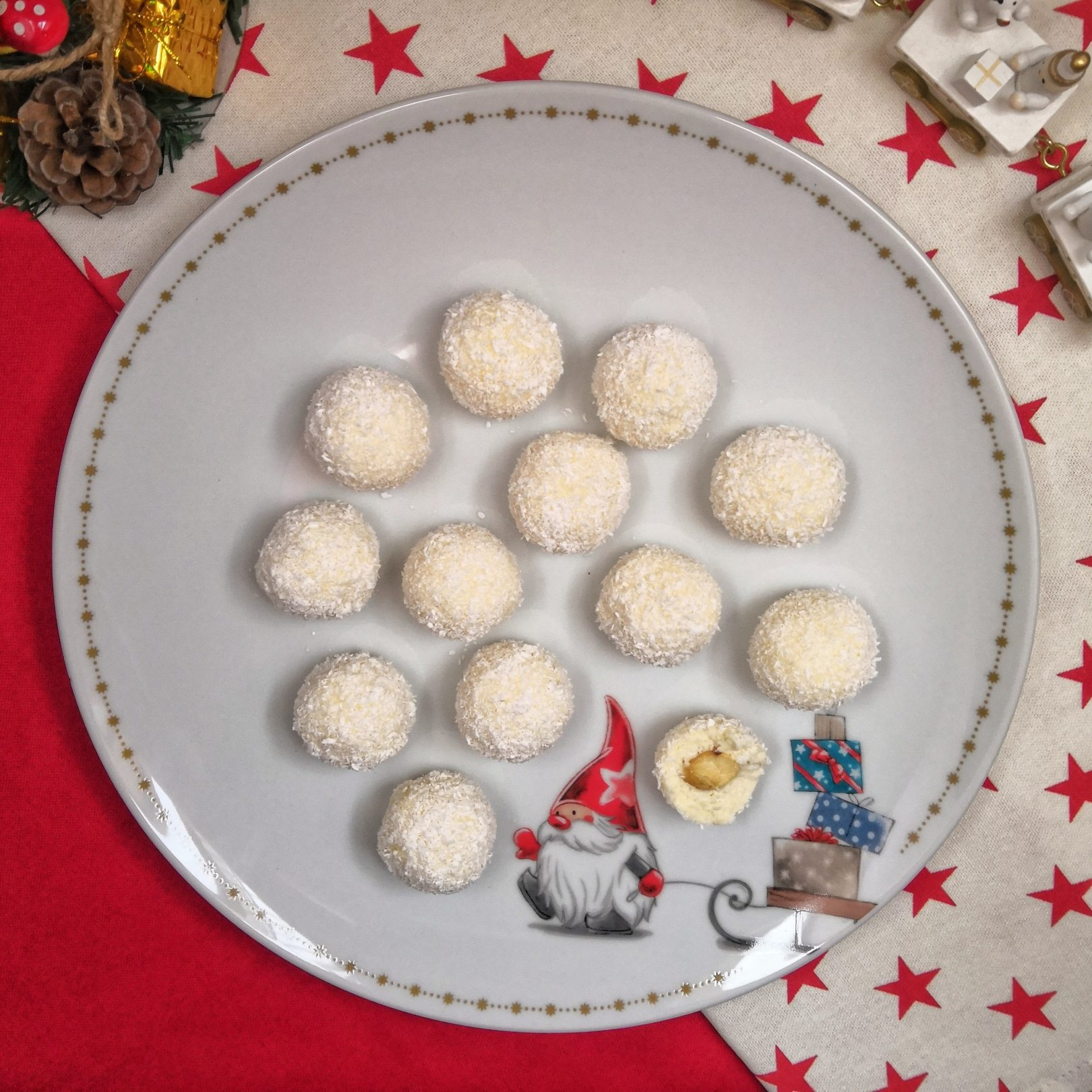 Raffaello – Creamy Keto Coconut Pralines