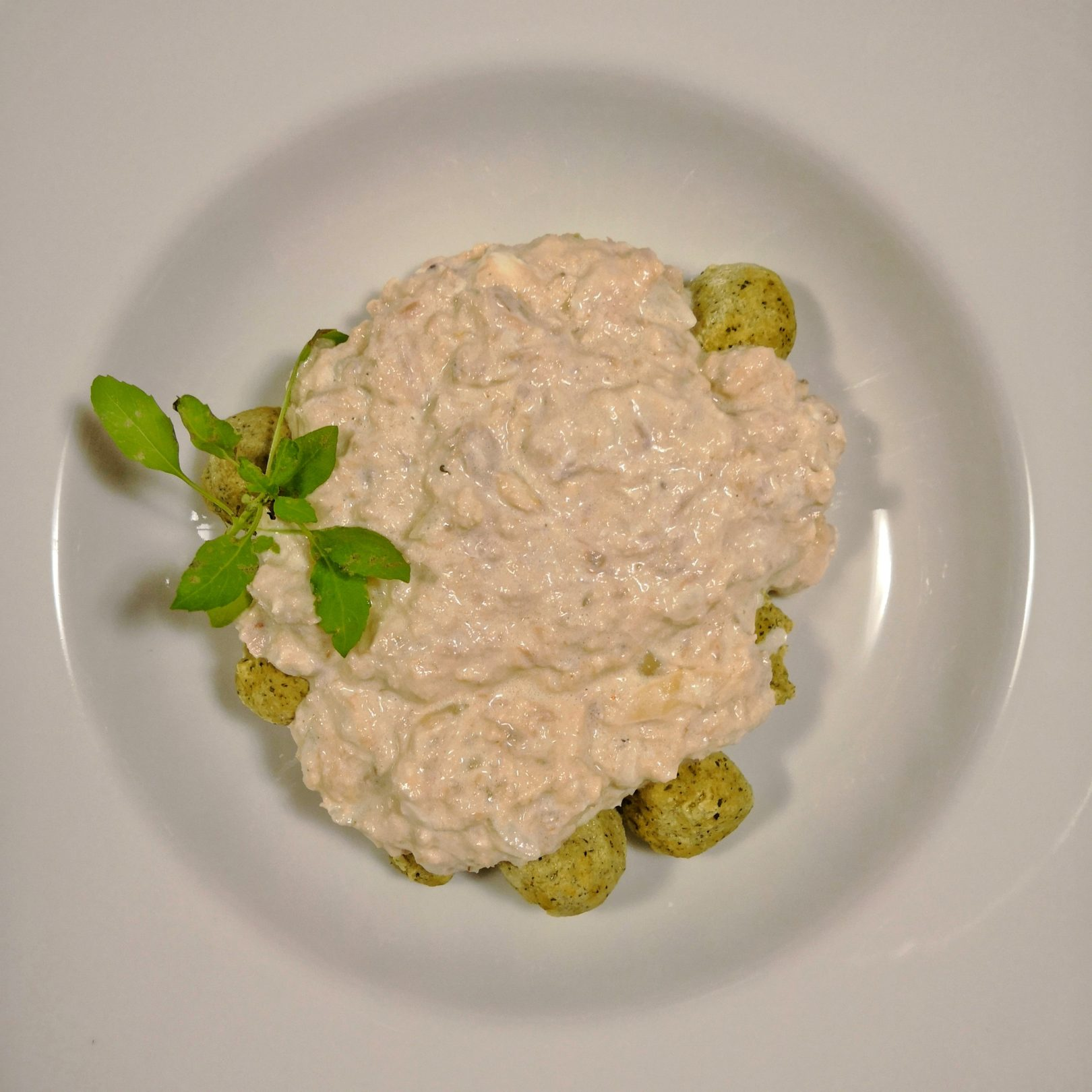 Low-Carb Gnocchi al Tonno (Gnocchi with Tuna Sauce)