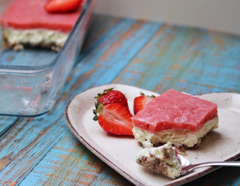 No-Bake Strawberry Lime Cheesecake Bars