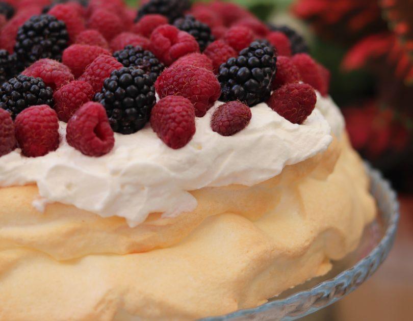 Sugar-Free Keto Pavlova with Berries