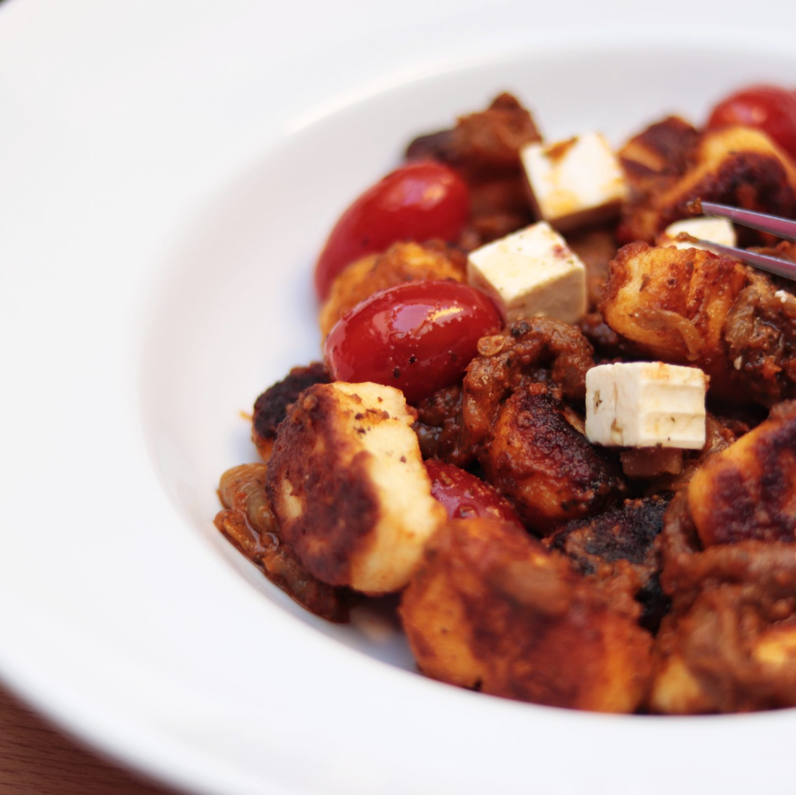 Low-Carb Gnocchi with Red Pesto Sauce